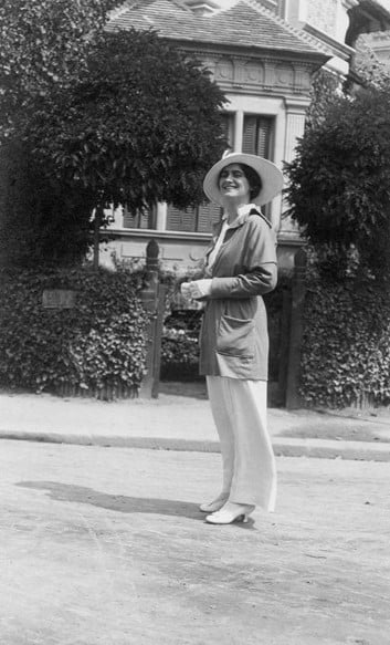 Gabrielle Chanel in Deauville in 1913 - Chanel Fragrance House