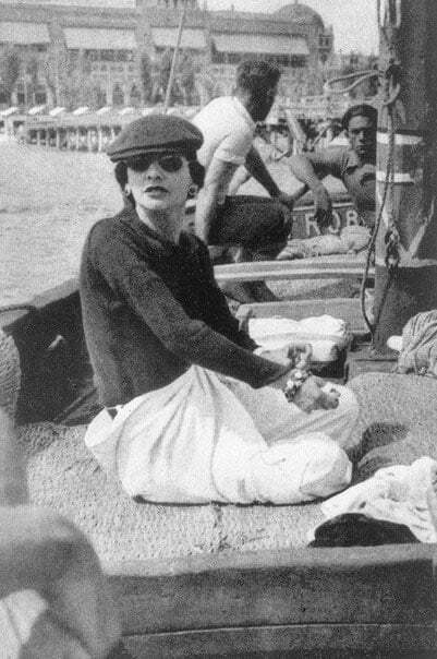 Gabrielle Chanel on Roussy Sert's yatch in front of the Lido of Venice - Chanel Fragrance House