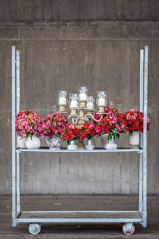 Pairfum-Perfume-Candle-Alstroemeria-Red-Bouquet-Vase