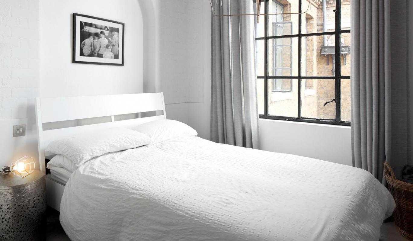 Home Design In Black White Bedroom