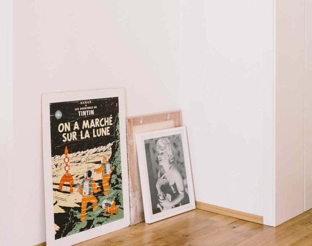 make-your-living-room-instantly-retro-antique-decor
