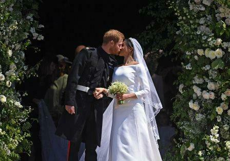 Royal Wedding 2018 Meghan Markle Prince Harry Church Kiss