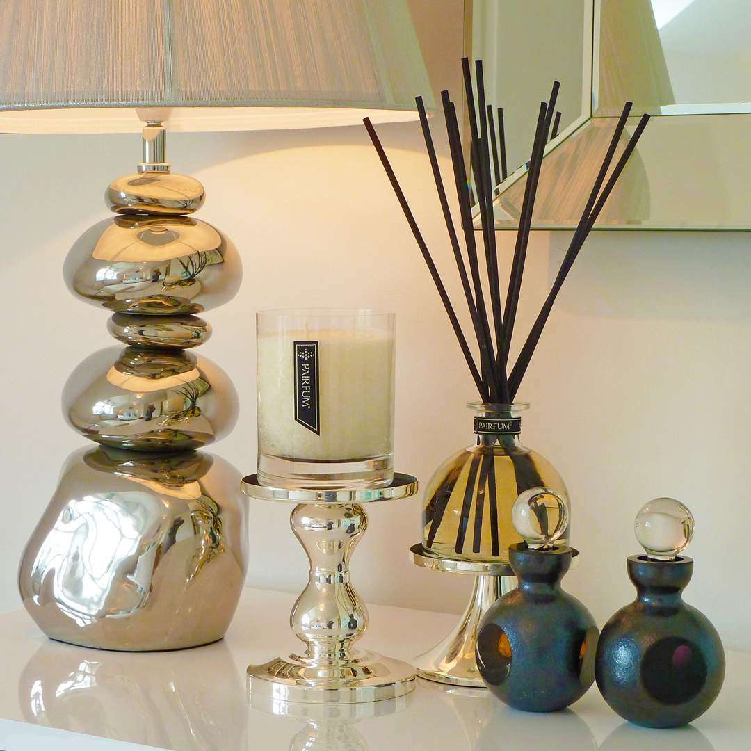 Natural Home Fragrance Perfumed Candle Reed Diffuser Livingroom Sideboard