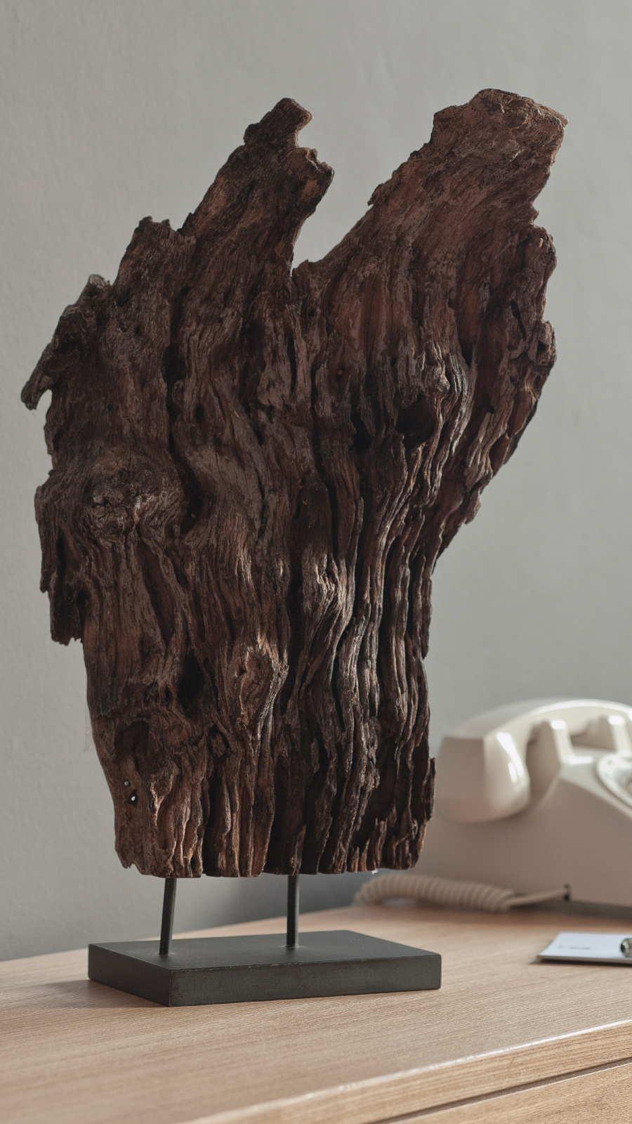 Lifestyle Hallway Driftwood Perfume Art Niche 9 16